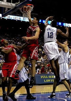 Yao dunks on Dwight