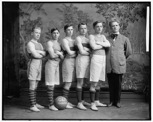 Georgetown Basketball Team in 1905 (Library of Congress)