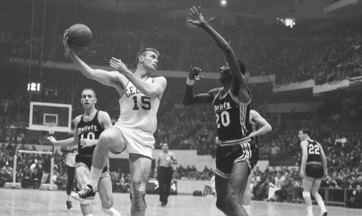 Tommy Heinsohn – Pro Hoops History