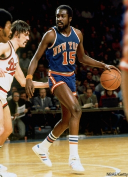 MILWAUKEE - 1976: Earl Monroe #15 of the New York Knicks moves the ball up court during a game against the Milwaukee Bucks in the 1976 season at the MECCA Arena in Milwaukee, Wisconsin. NOTE TO USER: User expressly acknowledges that, by downloading and or using this photograph, User is consenting to the terms and conditions of the Getty Images License agreement. Mandatory Copyright Notice: Copyright 1976 NBAE (Photo by Vernon Beiver/NBAE via Getty Images)